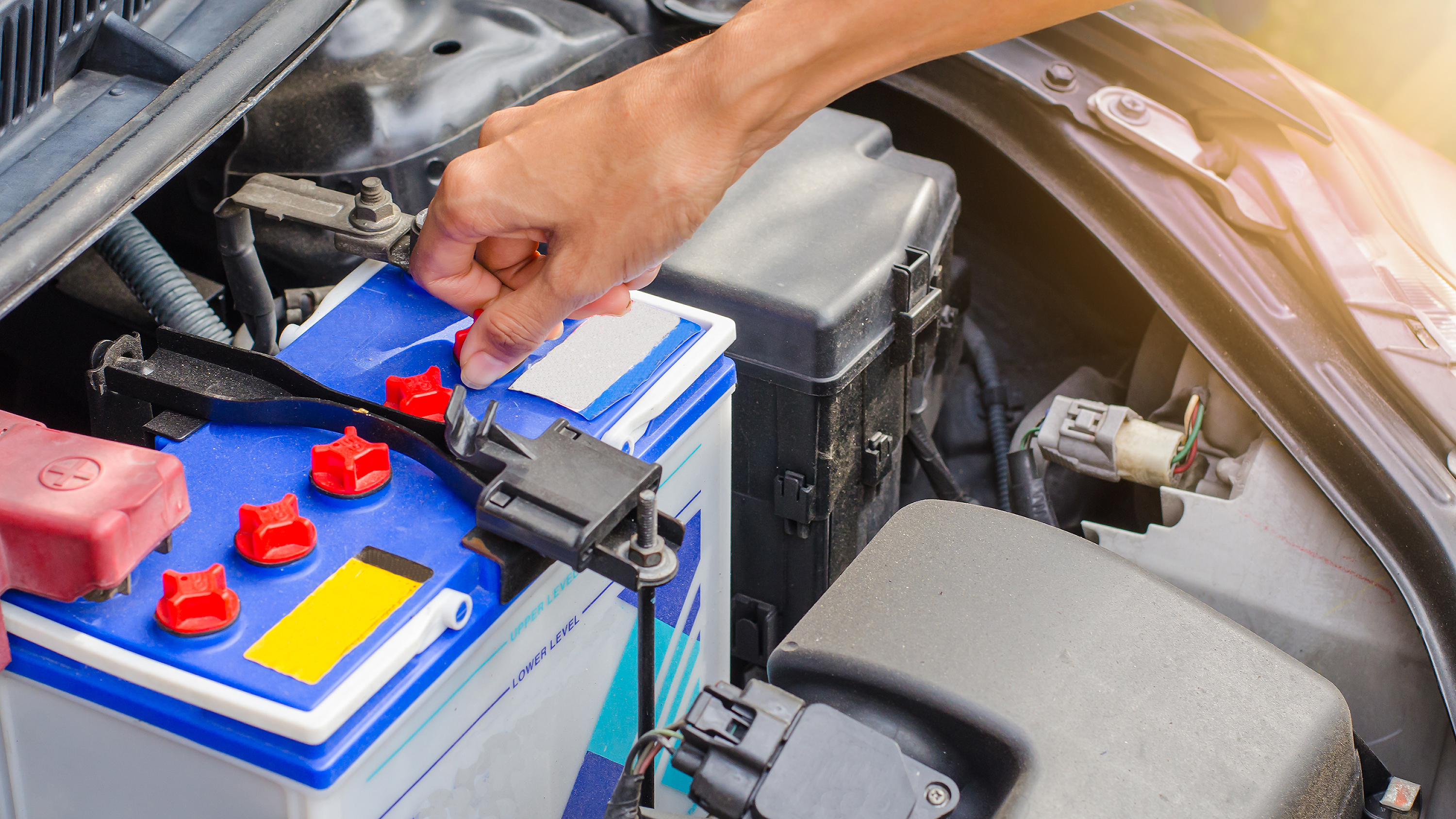 how your car battery works and signs it needs replacing